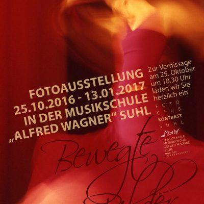 """Plakat zur Fotoausstellung """"Bewegte Bilder"""" . Fotoclub Kontrast in der Musikschule Suhl . 2016 (Foto: Günter Giese, Gestaltung: Andreas Kuhrt)"""