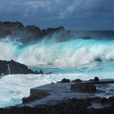 Wellen in Pozo de las Calcosas . El Hierro . Kanarische Inseln 2018 (Foto: Manuela Hahnebach)