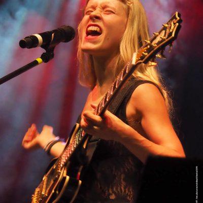 Foto-Kalender 2021 Rudolstat-Festival: Alice Phoebe Lou (Foto: Andreas Kuhrt)
