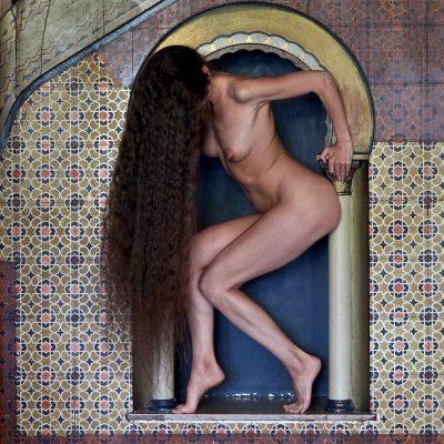 Rapunzel (Nadine) . Orientalische Sauna . Stadtbad Leipzig . Architektur & Akt . 2015 (Foto: Andreas Kuhrt)